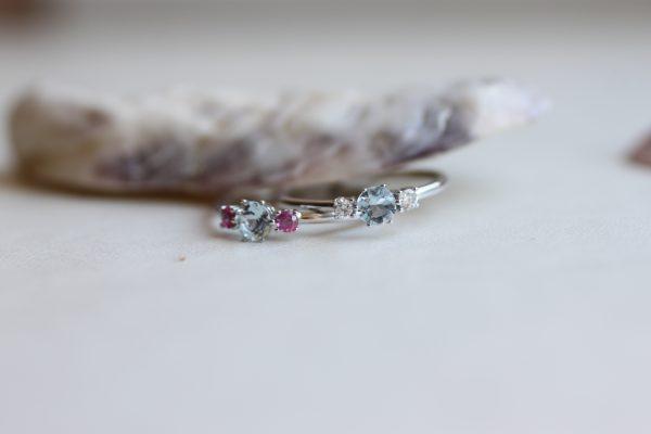anillo aguamarina y rubies