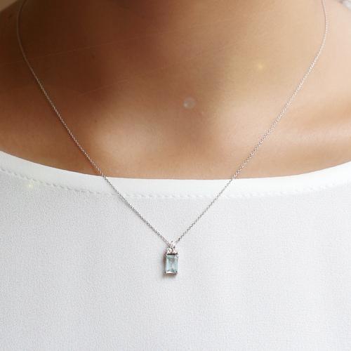 gargantilla de oro blanco con aguamarina y diamantes