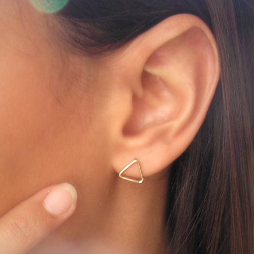 pendientes de oro amarillo triángulo
