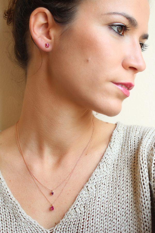 collar de oro rosa con rubi