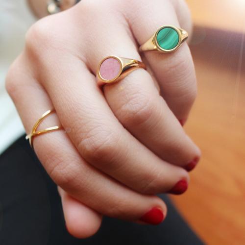 anillo sello de oro rosa con rodonita