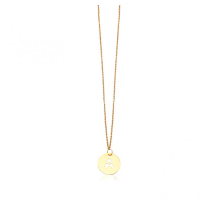 collar inicial con de oro