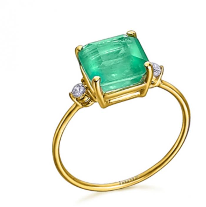 anillo de oro 18k con cuarzo verde